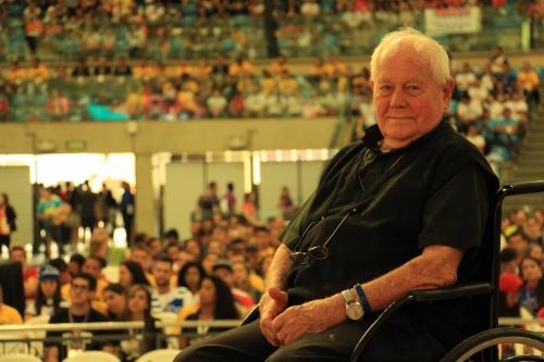 É Festa: Padre Haroldo comemora 99 anos e fala sobre os benefícios de levar uma vida saudável